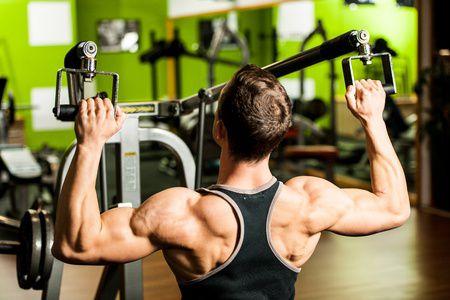 cvičení ve fitness